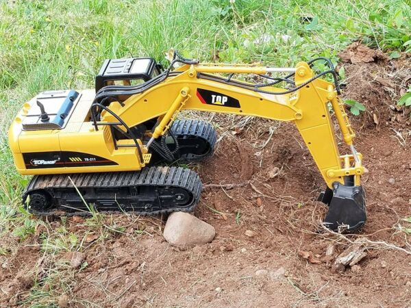 Remote Control Construction Tractor 2.4Ghz Channel Full Functional RC Excavator