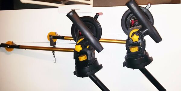 PAIR of SEAHORSE Downriggers , Swivels, Gimbals and Rod holder attachments NEW