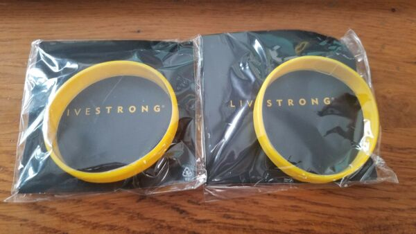 2 Livestrong Rubber Silicone Bracelet Adult XS/M 7
