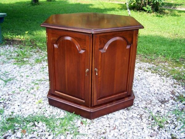 Set of 2 ETHAN ALLEN Georgian Court Six Sided Storage End Tables