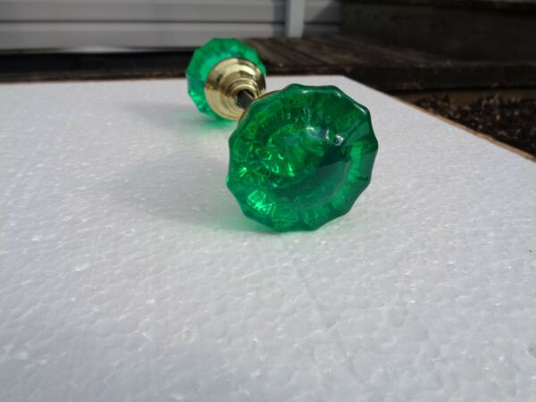 ANTIQUE GLASS DOORKNOBS COLORED& DYED EMERALD GREEN 1920'S SOLID BRASS HUBS
