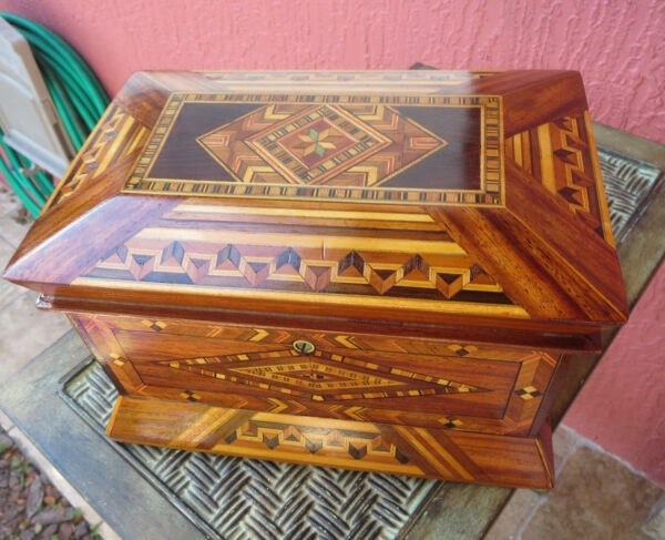 Antique Rosewood tea caddy chest with Amazing satinwood inlay