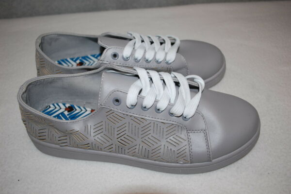 Womens GRAY FASHION SNEAKERS Cut Out Lines Cubes Design LACE UP Size 9