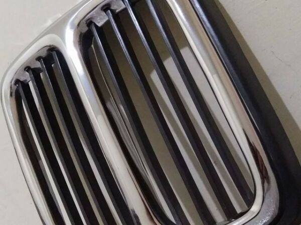 Bmw e21 center grill..NEW....produced  with very good quality chrome...