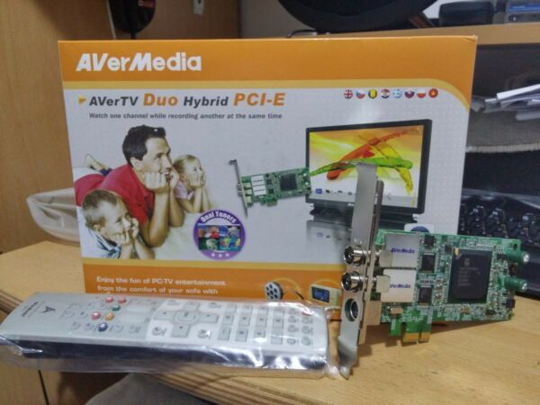 AverMedia AverTv Hybrid Due PCI-E TV Tuner Card for Desktop with FM