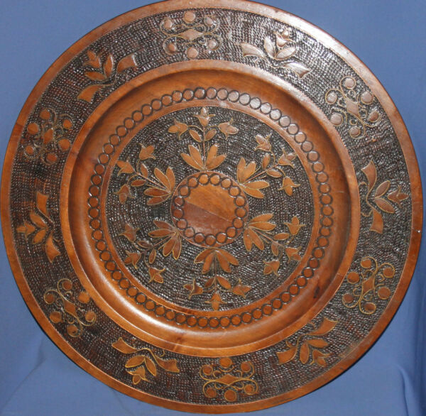 VINTAGE LARGE HAND MADE FLORAL PYROGRAPHY WOOD PLATETRAY