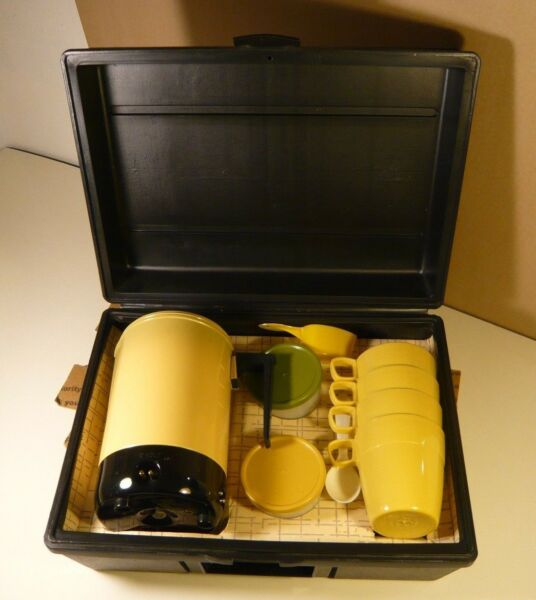 EMPIRE BRAND COFFEE QUICKIE YELLOW PERCOLATOR GIFT BOX SET FOR FOUR 12 VOLT