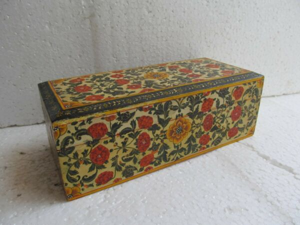 VINTAGE FINE QUALITY ENGRAVED WOODEN FLOWER DESIGN JEWELRY BOX INLAY WORK INDIA