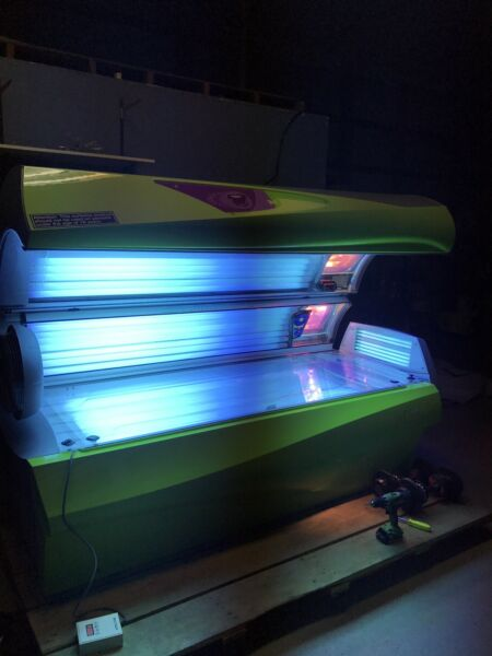 Ergoline Soltron Shout 12 Min Tanning Bed Level 3-4 With Facials