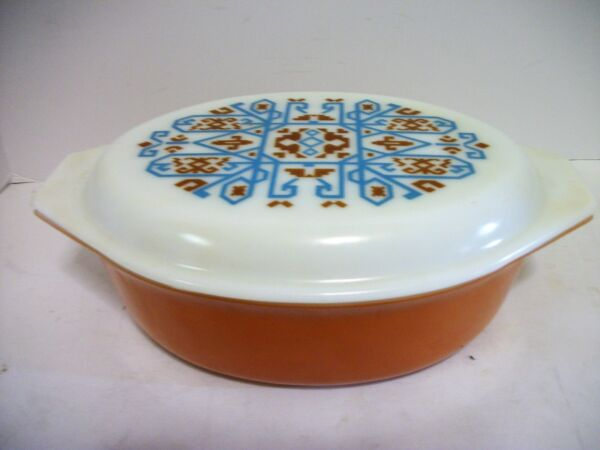 Vtg Pyrex Navejo Aztec Oval Casserole w LiD 2 12 Quart Only Produced in 1971