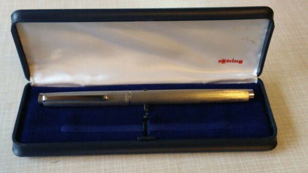 ✒ Vintage Rotring Fountain Pen in brushed Silver Metal with steel Nib