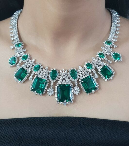 925 Sterling Silver Necklace White Green Emerald Cz halo highend jewel - Royale`