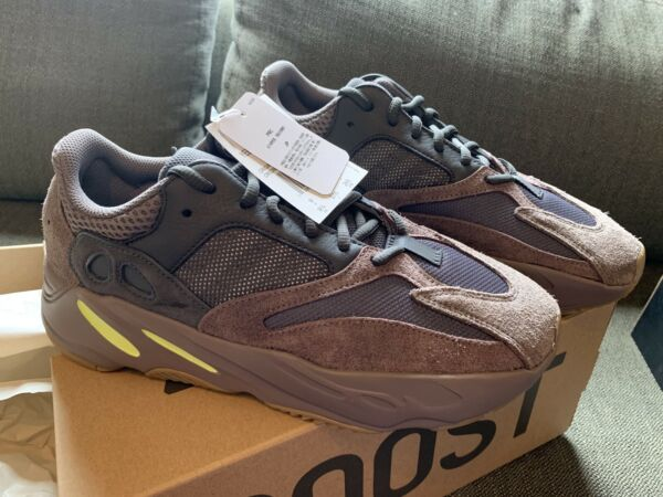 Adidas YEEZY BOOST 700 Men's Shoes Mauve EE9614 Size 9.5
