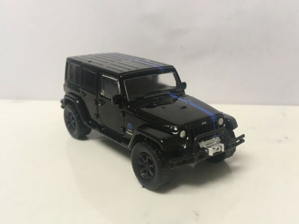2012 12 Jeep Wrangler Unlimited Collectible 164 Scale Diecast Diorama Model