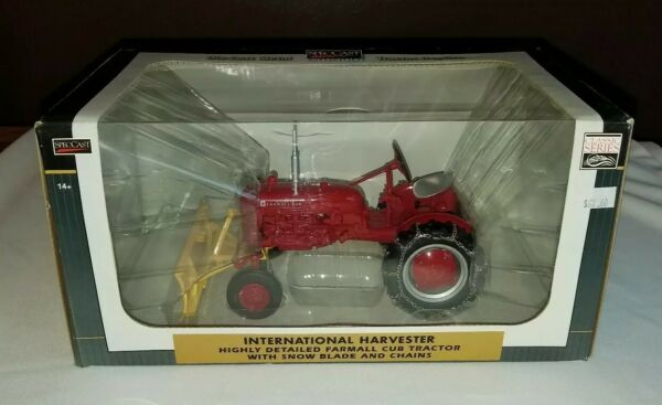 International Harvester Farmall Cub Snow Blade Chains 1 16 Toy Tractor in Box
