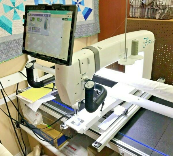 Handi Quilter Forte Longarm Quilting System with Pro-Stitcher Robotic System