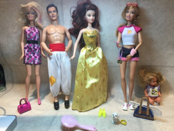 Barbie Lot Of 5 Dressed Fashionista w Outfits shoes dog amp; purses $25.00