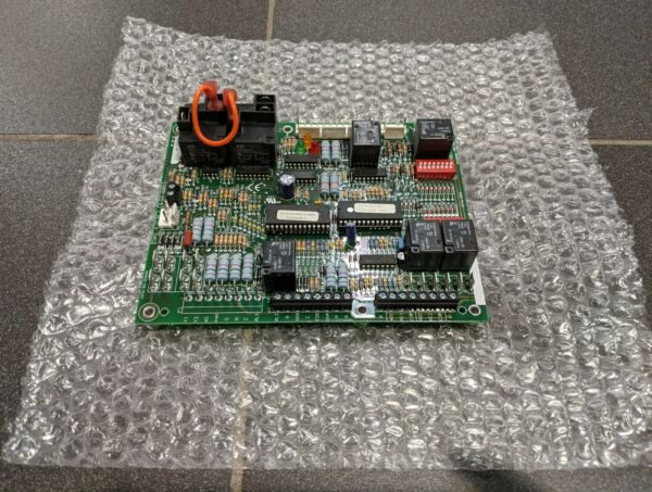 Climatemaster Carrier Heat Pump DXM Control Board – 17B0002N04 Used $135.00