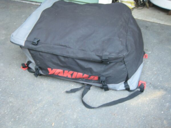 YAKIMA CAR TOP ROOF CARSUV TOP TRAVEL CARGO LUGGAGE BAG CARRIER VERY NICE SEE $99.99