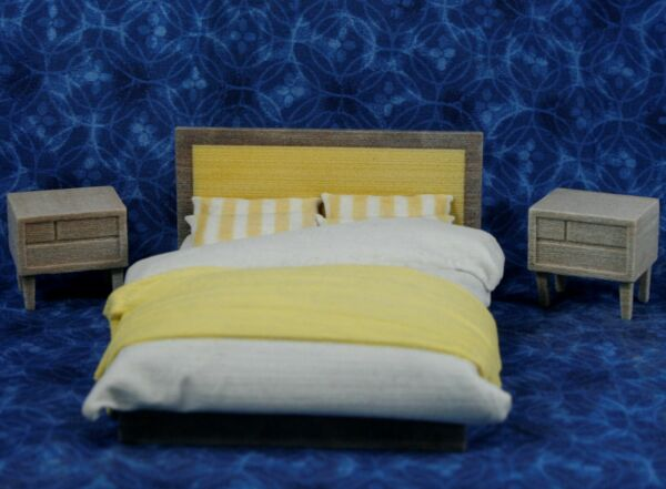 LOT Miniature Dollhouse Bedroom FURNITURE Resin 1:16 or 1:18 Bed amp; Nightstands * $15.99