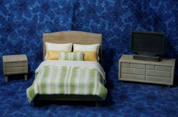 LOT Miniature Dollhouse Bedroom FURNITURE Resin 1:16 or 1:18 Bed Nightstand TV * $16.99