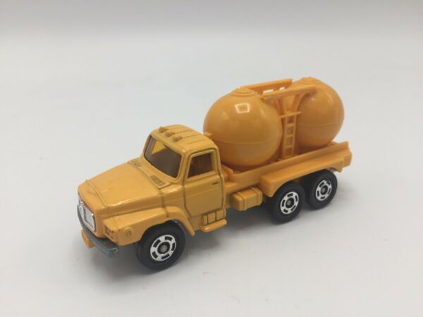 Vintage Tomica Nissan Diesel Tank Truck No.16 Made in Japan 1 102 Yellow