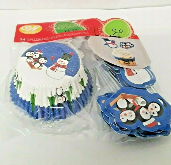 Wilton Christmas Cupcake liners Papers Decorating Kit Snowmen and Penguins 24 Pc