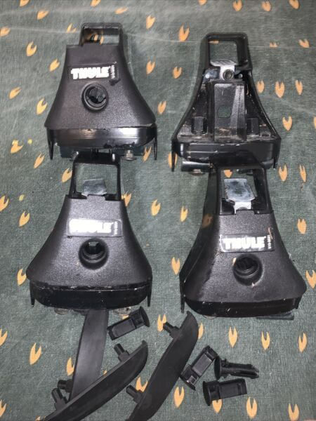 Thule Tracker Towers Foot Pack 416; Good Condition; No Locks; Free Shipping $35.00