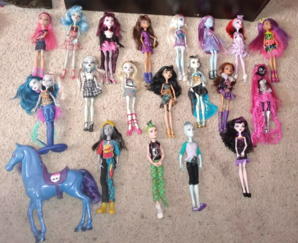 Monster High Dolls Bedding and Curtains $100.00
