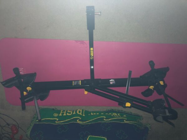 Saris Freedom 2 Bike Tray Hitch Bike Rack. Excellent condition used twice $215.00