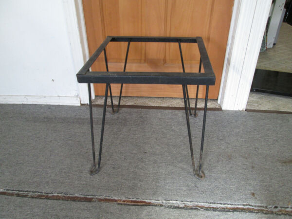 Steel Leg Patio Square Table End Table No Top Unbranded GUC $30.00