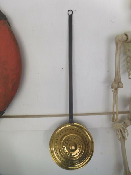 ANTIQUE BRASS amp; IRON BED WARMER POT PAN VINTAGE FIREPLACE HEARTH DECOR