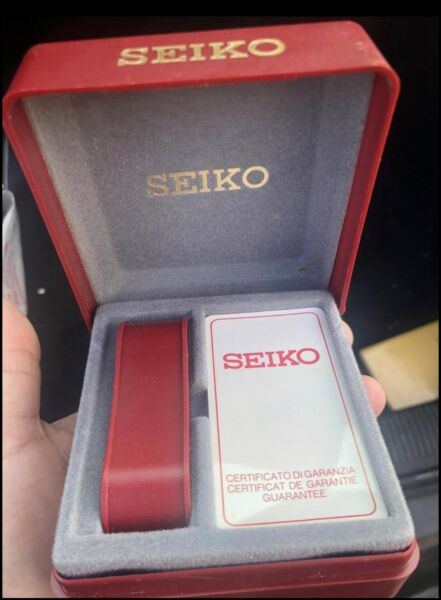 Seiko Vintage Boxes With Warranty Papers