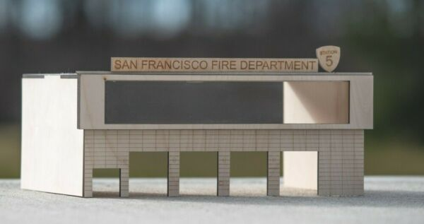 1:64 Scale 5 Bay Fire station Department Acrylic viewing window 1 64 diorama