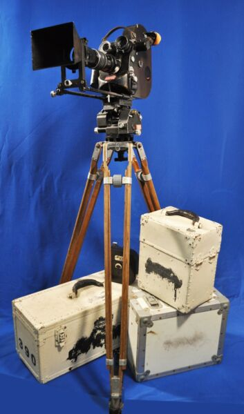 Eclair Cameflex Camerette 35mm motion picture camera with tripod amp; fluid head