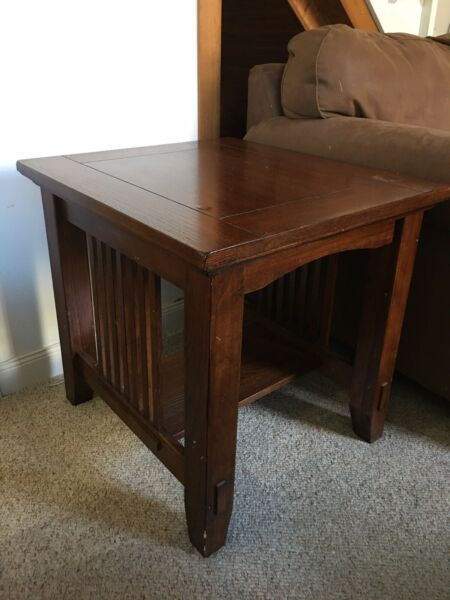 Beautiful Used Wood End Tables. Sold As A Set $51.00
