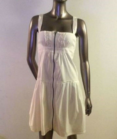 Burberry Dress Size 6. White Cotton. Made in Italy. Sleeveless Straps. Zip Front $89.00