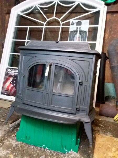 Vermont Castings VIGILANT Wood Stove With BIG Glass Door Inserts: Great... $1200.00