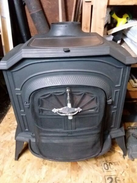 Vermont Castings RESOLUTE III Wood Stove: Cast Iron. New Gaskets
