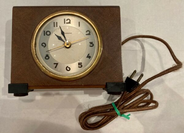 Vintage Hammond Wood Electric Clock Works $45.99