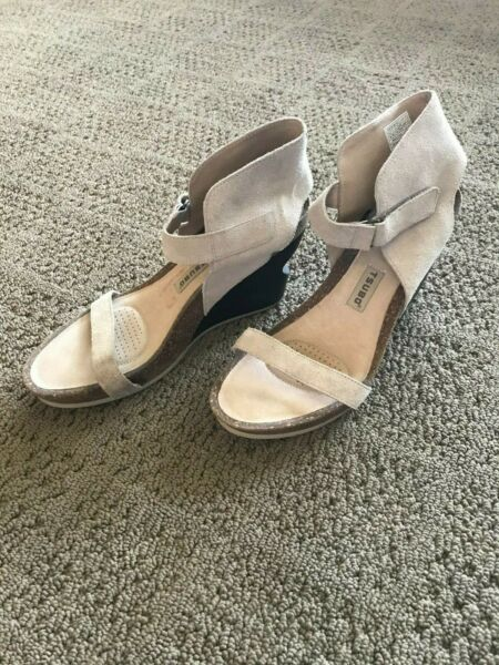 Tsubo Tehina Putty Ankle Strap Wedge Sandal Size 10