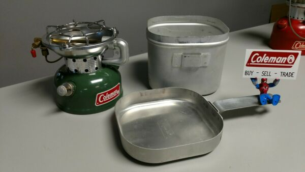 Coleman Stove 502 With Cook Kit. 4 1974 Excellent