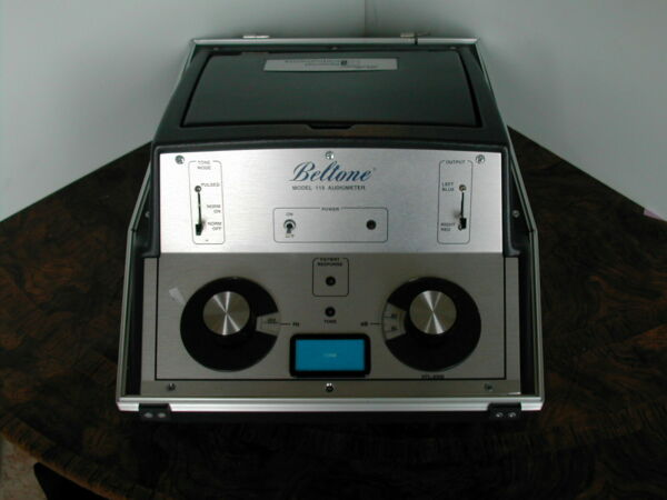 Beltone portable Audiometer with phones patient swi Sept 2021 Calibrated