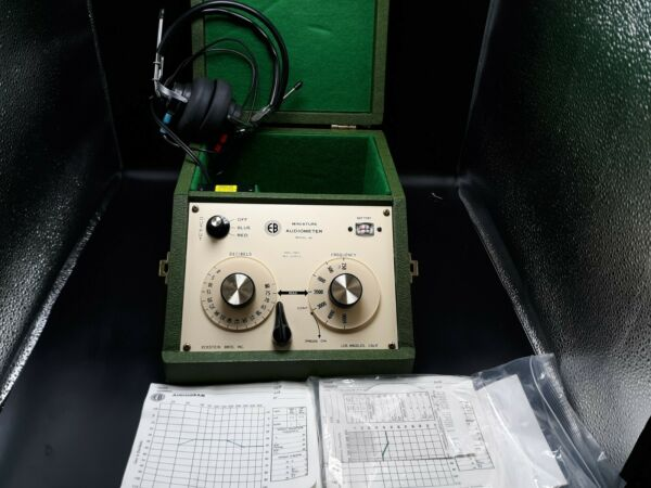 EB Eckstein Brothers Miniature Audiometer Hearing Tester Model 60 WORKS