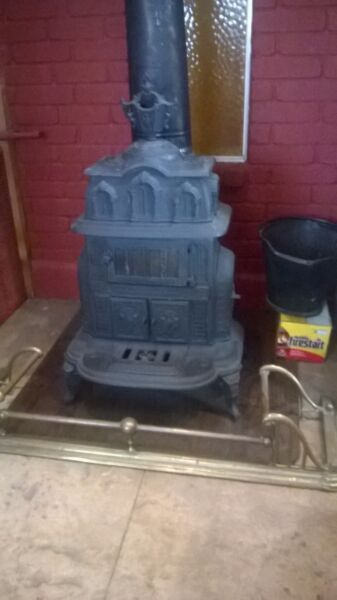 1919 EDEN Wood Stove Heater $2000.00