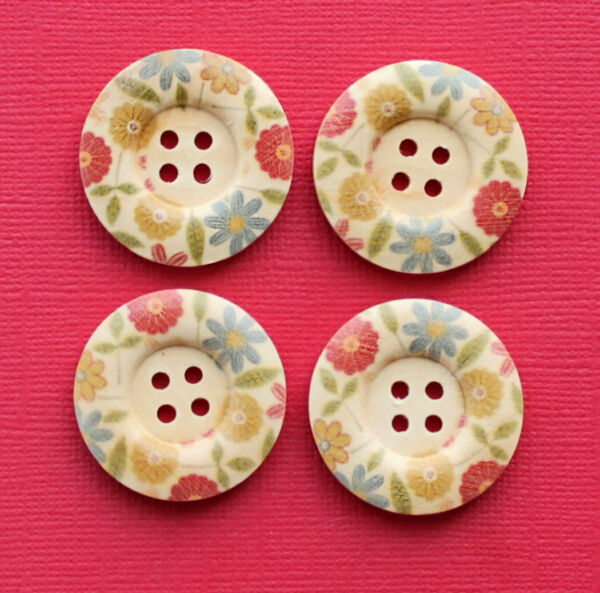 6 Large Wood Buttons Outer Floral Design 30mm BUT085