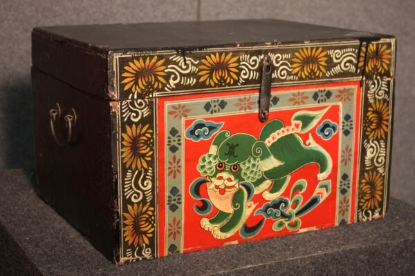 Small trunk box wood lacquered black painted decorations oriental style 900