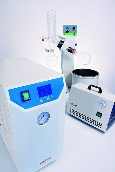 Rotary Evaporator with Motor lift + Chiller + Vacuum Pump Bundle by LabTech