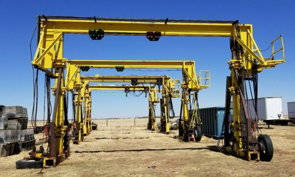 Industrial Hydraulic Gantry Crane 50000 ton Shipping Container Load Offload $5000.00