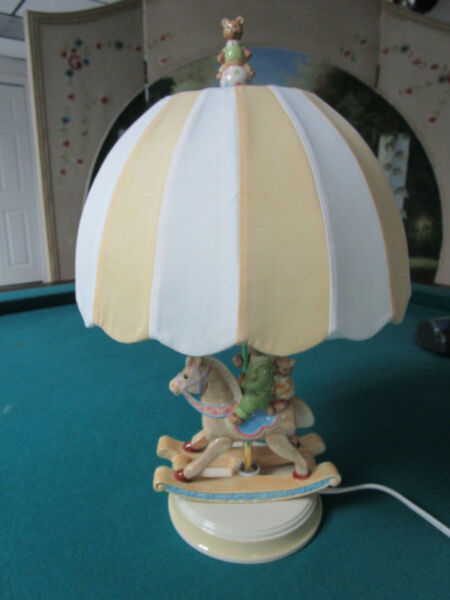 TABLE LAMP BEATRIX POTTER ROCKING HORSE AND BUNNIES 18